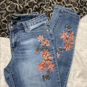 Nine West - Embroidered 'Gramercy' Skinny Jeans